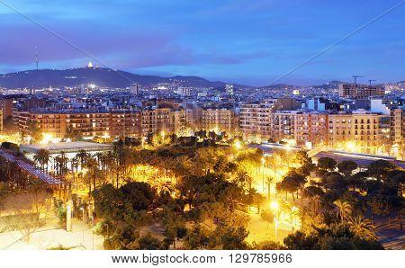 Barcelona skyline from Plaza Espana at night
