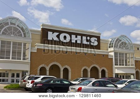 Indianapolis - Circa May 2016: Kohl's Retail Store Location. Kohl's operates over 1100 Discount Stores II