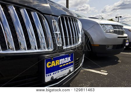 Indianapolis - Circa May 2016: CarMax Auto Dealership. CarMax is the Largest Used-Car Retailer in the US