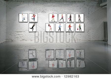 Frames mit laufen Menschen auf weiße Wand und Reflexionen über Boden-collage