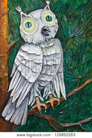 white owl with green eyes on a tree original relief painting, mixed techniques painting style, abstract owl painting on canvas, night bird impressionism relief painting,