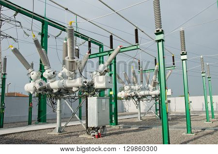 High voltage electrical substation for rail road power supply