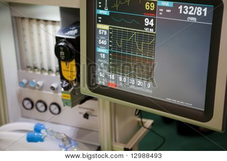 Resuscitation, system anapnotherapy. Monitor with health data based.