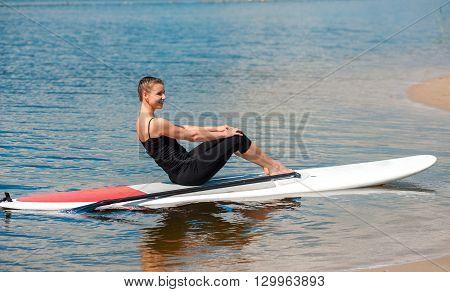 Sup Beautiful Girl Yoga Meditation08