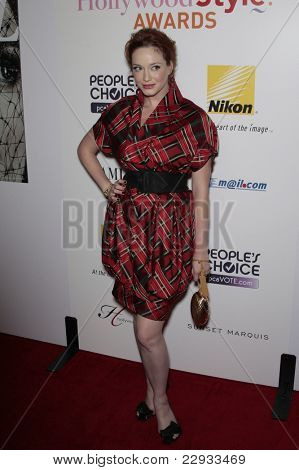 WEST HOLLYWOOD - 12 de OCT: Christina Hendricks en las vida de Hollywood Hollywood Style Awards en el Pac