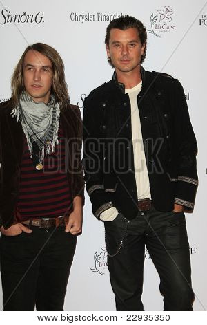 SANTA MONICA - OCT 4: Tim Myers and Gavin Rossdale at the 11th Annual Lili Claire Foundation Benefit at the Santa Monica Civic Auditorium in Santa Monica, California on October 4, 2008