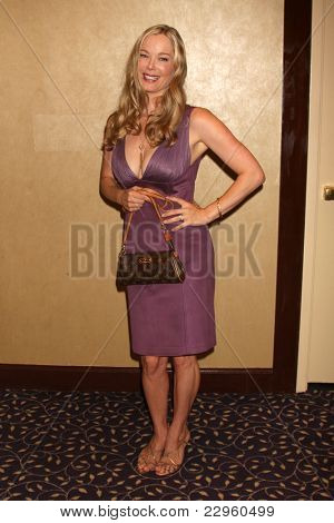LOS ANGELES - AUG 27:  Jennifer Gareis attending the Bold & The Beautiful Fan Event 2011 at the Universal Sheraton Hotel on August 27, 2011 in Los Angeles, CA