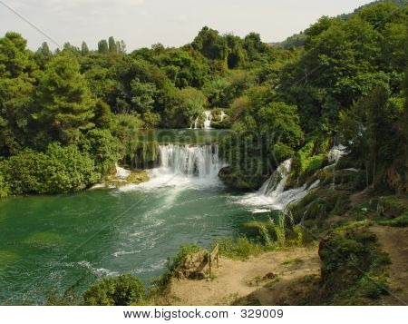 Green Waterfall (2)