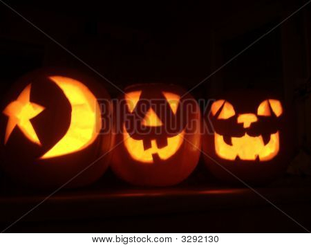 Glowing Halloween Jack-O-Lanterns
