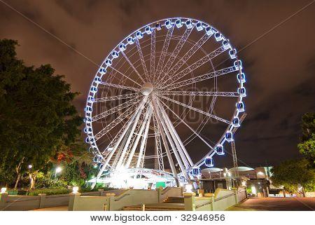 Brisbane City - Southbank en la noche - Queensland - Australia