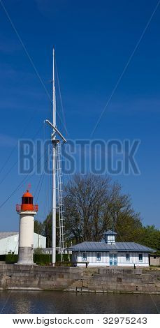 Honfleur harbour lighthouse