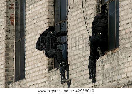 Policía antiterrorista