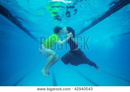 Unterwasser Kuss