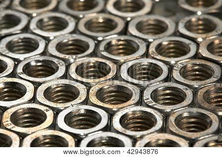 Metal nuts array