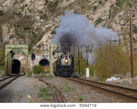 844 Train Tunnel