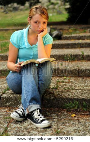 Beautiful, Bible, Book, Girl, Happy, Meditation, Pretty, Read, Smile, Student, Teen, Women