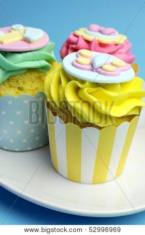 Baby shower or infant birthday cupcakes