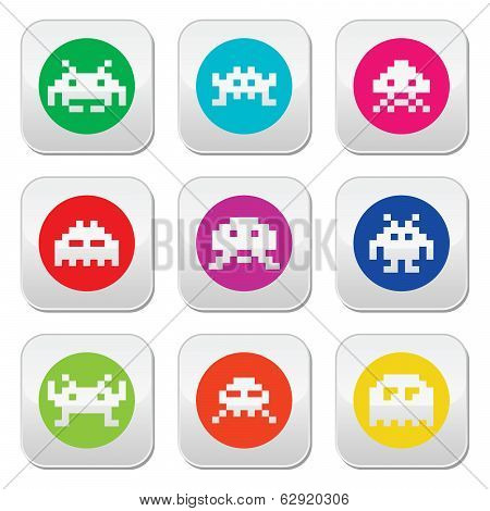 Space invaders, 8 bit aliens round icons set