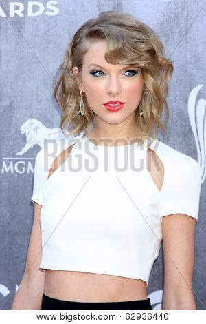 LAS VEGAS - APR 6:  Taylor Swift at the 2014 Academy of Country Music Awards - Arrivals at MGM Grand Garden Arena on April 6, 2014 in Las Vegas, NV