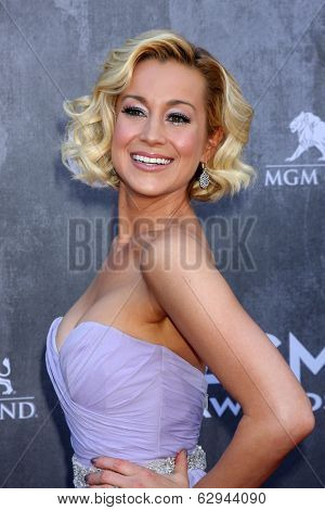 LAS VEGAS - APR 6:  Kellie Pickler at the 2014 Academy of Country Music Awards - Arrivals at MGM Grand Garden Arena on April 6, 2014 in Las Vegas, NV