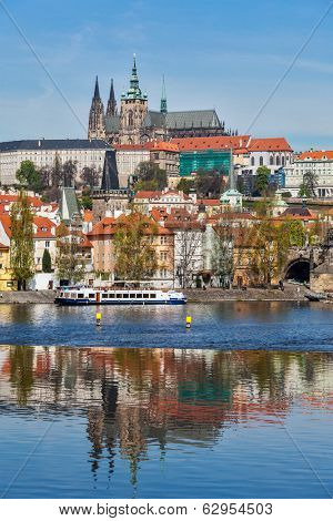 View of Charles bridge over Vltava river and Gradchany (Prague Castle) and St. Vitus Cathedral, Prague, Czech Republic