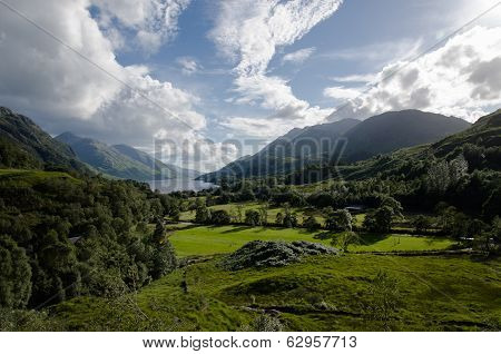 Beautiful Scottish Scenery - Glenfinnan Vallye