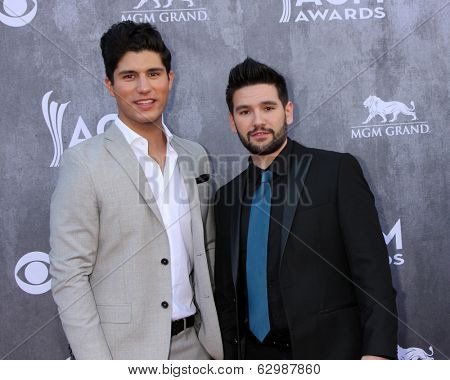 LAS VEGAS - APR 6:  Dan Smyers, Shay Mooney, Dan & Shay at the 2014 Academy of Country Music Awards - Arrivals at MGM Grand Garden Arena on April 6, 2014 in Las Vegas, NV