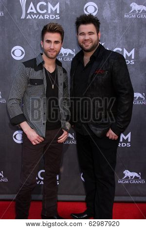 LAS VEGAS - APR 6:  Colton Swon, Zach Swon, The Swon Brothers at the 2014 Academy of Country Music Awards - Arrivals at MGM Grand Garden Arena on April 6, 2014 in Las Vegas, NV