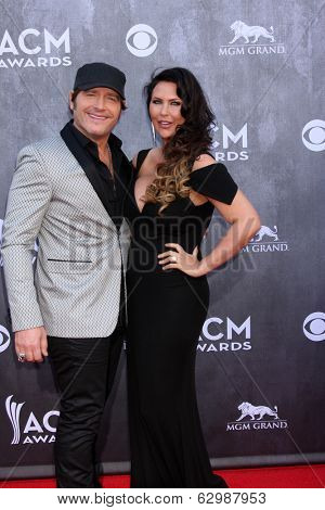 LAS VEGAS - APR 6:  Jerrod Niemann at the 2014 Academy of Country Music Awards - Arrivals at MGM Grand Garden Arena on April 6, 2014 in Las Vegas, NV