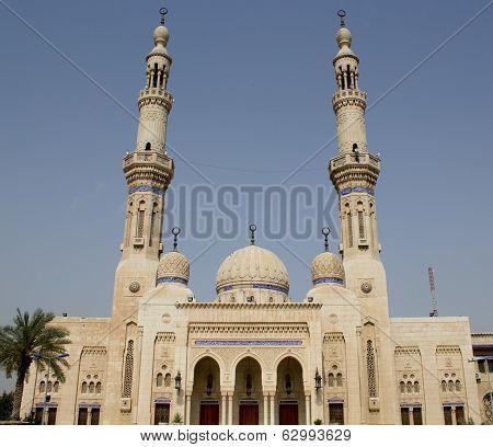 Mosque Um Al-tobool