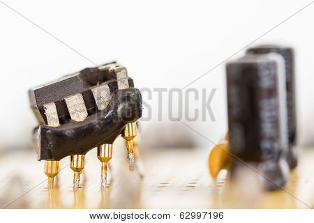 Electronic Parts - Operational Amplifier - Destroyed