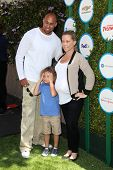 LOS ANGELES - APR 5:  Hank Baskett, Hank Baskett IV, Kendra Wilkinson at the Safe Kids Day Los Angel
