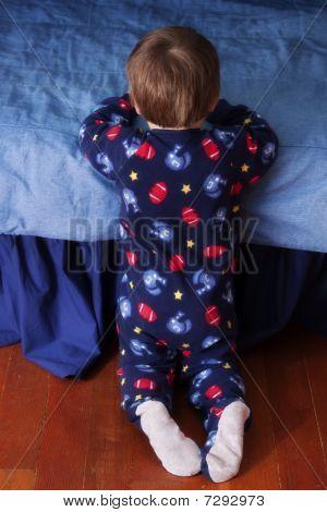 praying toddler