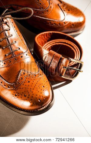 Classic Polished Men's Brogues And Brown Belt