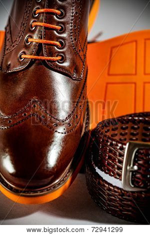 Classic Polished Men's Brogues With Orange Sole And Brown Belt