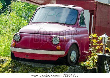 Half Red Fiat 500