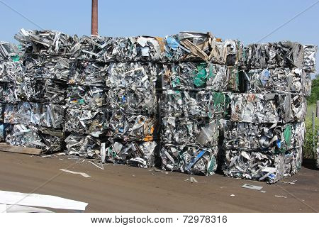 Baled scrap aluminum