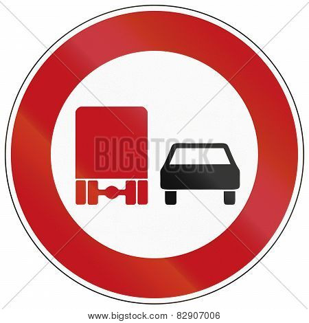 No Overtaking By Lorries