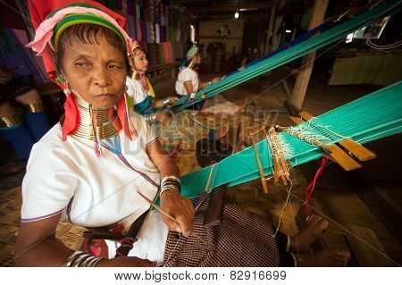 Seniors Kayan Lahwi Girl Is Weaving.