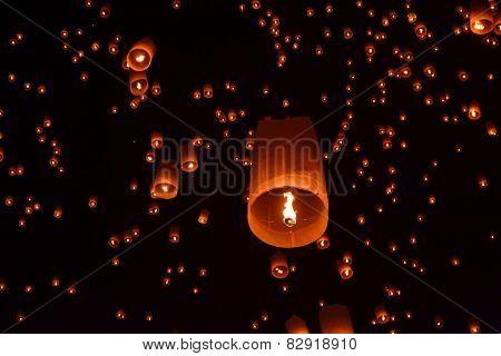 Buddhist Lantern Festival in Chiang Mai, Thailland