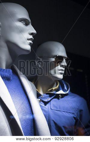 Shop Dummy Fashion Mannequins In Store Window Display