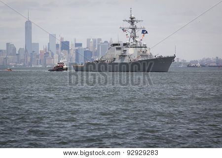STATEN ISLAND, NY - MAY 20 2015: USS Stout (DDG 55) heads toward the Sullivans Pier in Staten Island on the Upper Bay after the Parade of Ships, which begins Fleet Week New York 2015.