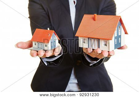 Concept for comparision of real estate houses pricing