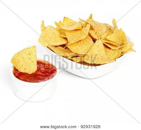 Potato chips with sauce on the table