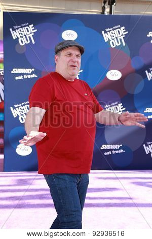 LOS ANGELES - JUN 8:  Jeff Garlin at the
