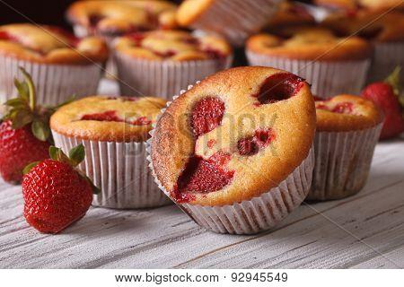 Muffins With Fresh Strawberries Close-up Horizontal