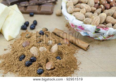 Cocoa, Chocolate, Almonds, Cinnamon And Raisins