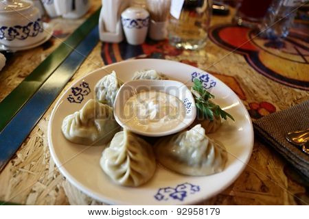 Plate With Manti