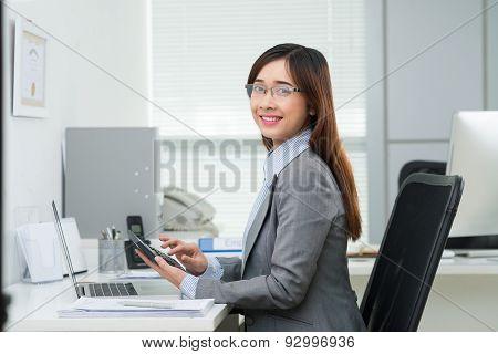 Vietnamese Female Accountant