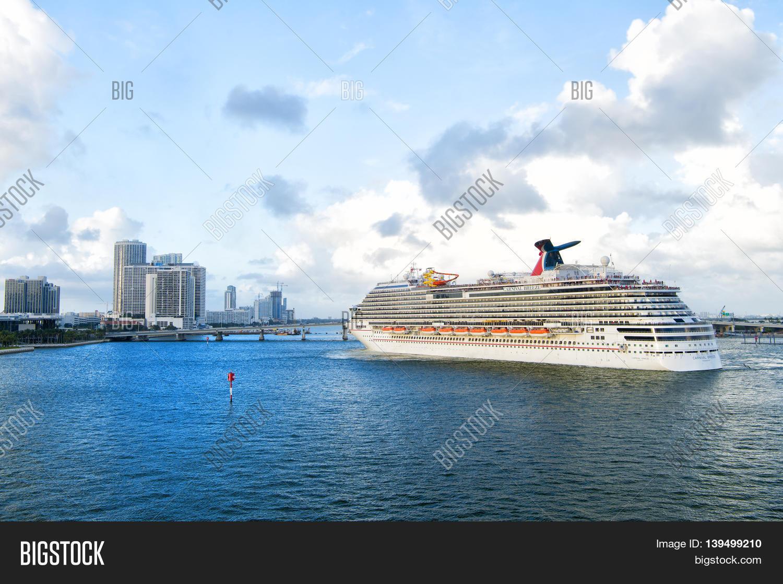 Cruise Ship Carnival Breeze Image Amp Photo Bigstock